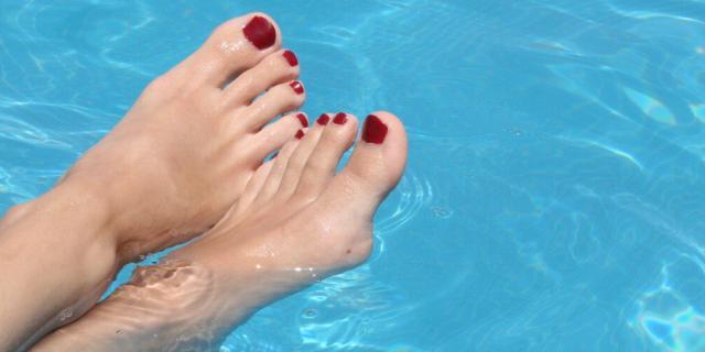 Conheça os problemas que mais causam desconforto aos pés no verão e saiba como fugir deles Stock Photos/ Divulgação/