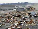 Tsunami arrastou casas e carros na província de Miyagi, no Japão