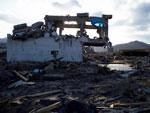 Diversas residências na cidade de Rikuzentakata tiveram sua estrutura comprometida pelo tsunami e pelo terremoto