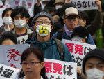 Japoneses protestaram, em Tóquio, contra o vazamento de material radioativo na usina nuclear de Fukushima