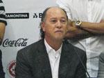 Falcão chamou os jogadores do Inter para participar da coletiva de imprensa