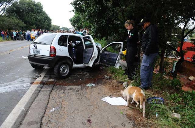 Acidente entre carro e caminhão deixa dois mortos na RS-118, em Sapucaia do Sul Ronaldo Bernardi/