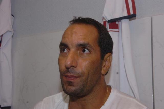 Ex-jogador Edmundo é encontrado em flat e preso em São Paulo  Gilmar de Souza  /