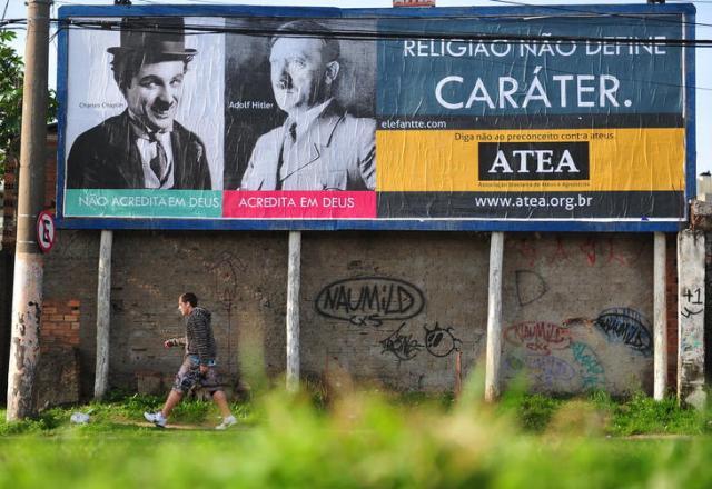 Com outdoors na Capital, campanha de ateus quer conter preconceito contra pessoas sem religião Diego Vara/Agencia RBS