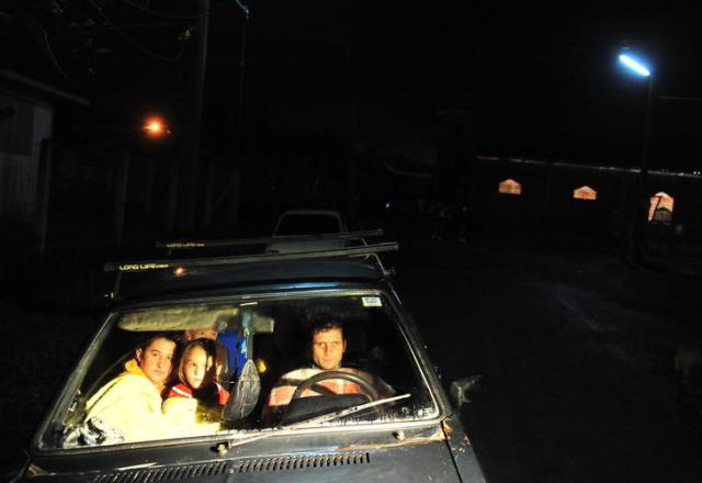 Cheia do Rio Paranhana faz família deixar casa e passar a noite dentro de carro em Igrejinha Lauro Alves/Agencia RBS