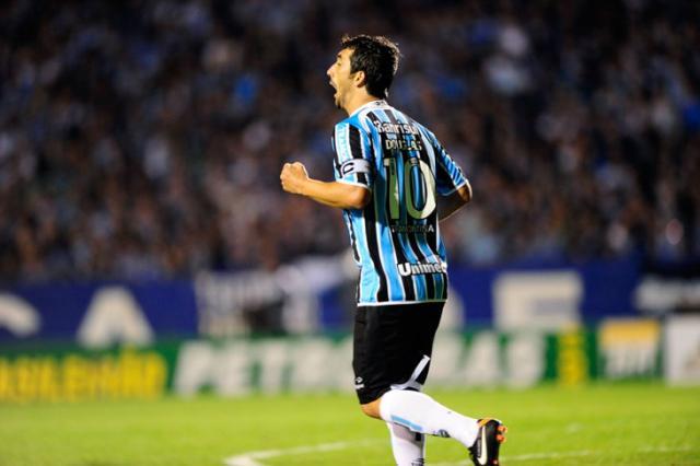 Engrenou: Grêmio sofre, mas bate São Paulo e chega à terceira vitória seguida no Brasileirão Mauro Vieira/