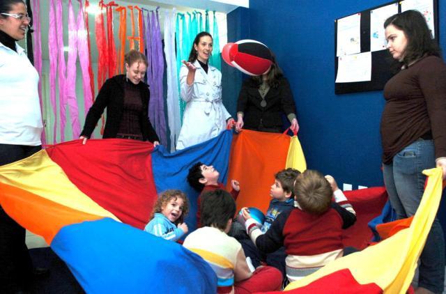 Crianças autistas apresentam melhoras com tratamento baseado em experiências cotidianas Miro de Souza/clicRBS