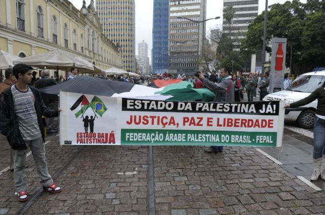 Federação Árabe Palestina do Brasil faz manifesto no centro de Porto Alegre Ronaldo Bernardi/Agencia RBS