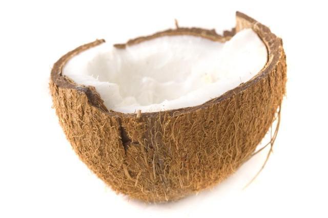 Óleo de coco queima gordura e reduz circunferência abdominal Divulgação/stock.xchng