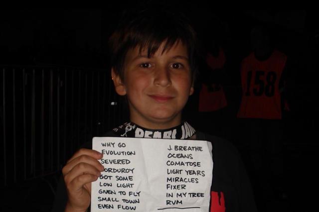 """""""Eu tive sorte"""", diz menino chamado para subir ao palco do Pearl Jam Priscila de Martini/Agencia RBS"""