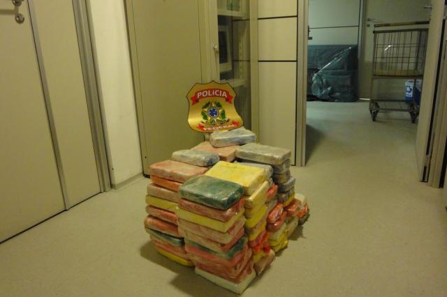 PRF apreende 95 kg de crack escondidos em caminhão no sul do Estado Divulgação/Polícia Federal