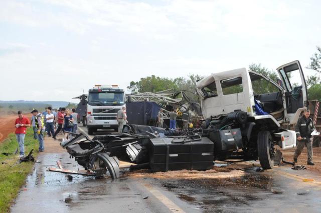 AO VIVO: acidente com dois caminhões deixa um morto e bloqueia totalmente a BR-116 Luiz Armando Vaz/Agencia RBS