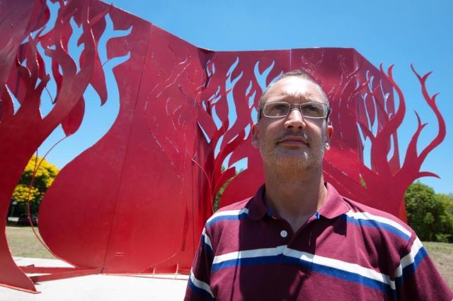 Árvore ou chama: com escultura, artista provoca diferentes interpretações  Tárlis Schneider/Agencia RBS