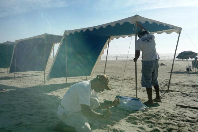 Tendas conquistam espaço nas areias do litoral gaúcho Kamila Almeida/Agência RBS