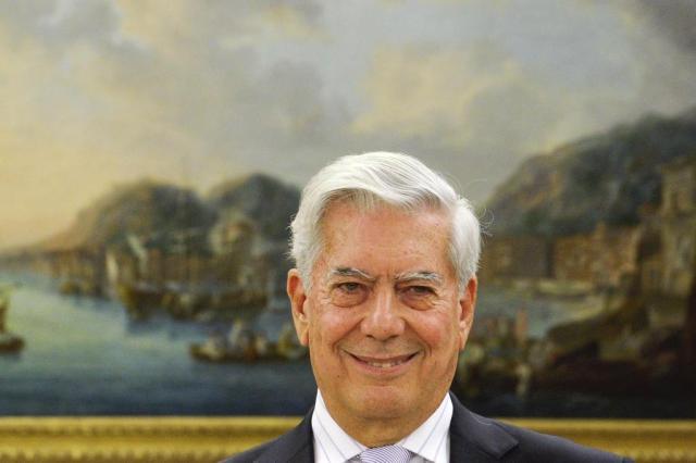 Vargas Llosa doará sua biblioteca pessoal para sua cidade natal javier soriano/AFP