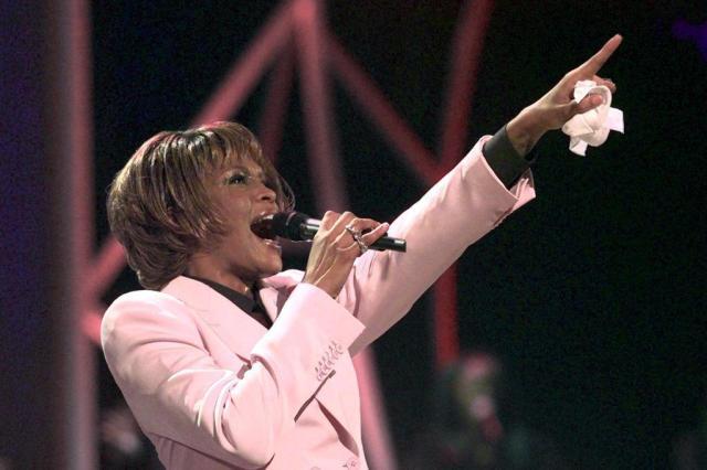 Whitney Houston concluiu filme sobre vício em drogas antes de morrer Kevork Djansezian/AP