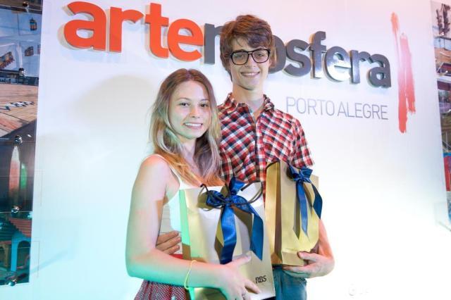 Vencedores de concurso cultural do Artemosfera comemoram a vitória Tárlis Schneider/Agencia RBS