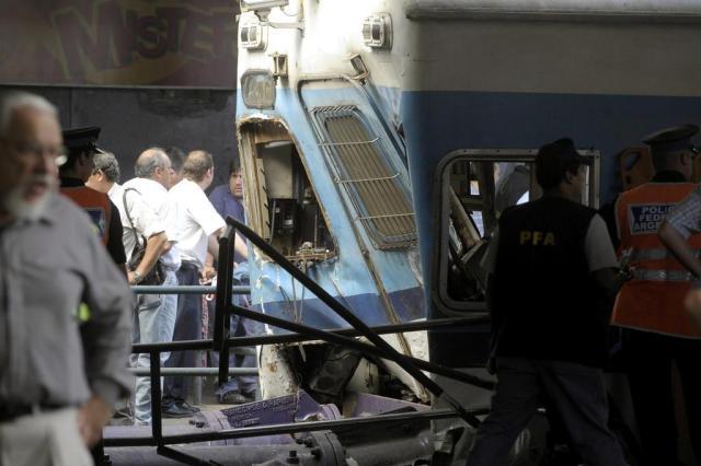 TV argentina exibe vídeo do acidente com trem que matou 50 em Buenos Aires Juan Mabromata/AFP