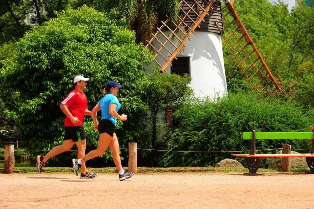 Saiba mais sobre a condropatia, também chamada de joelho de corredor Jean Schwarz/Agencia RBS