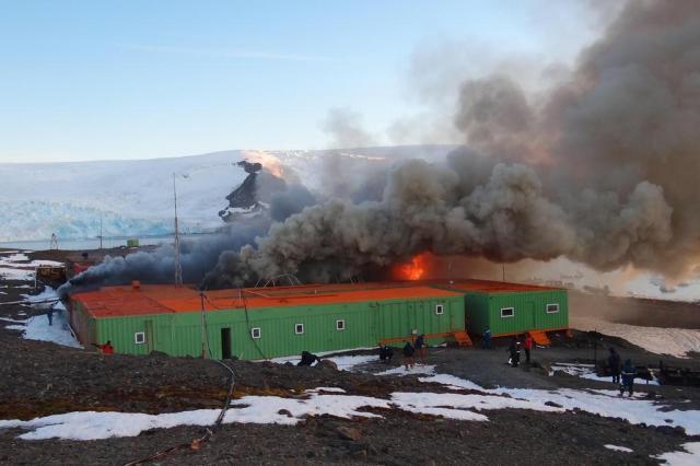 Pesquisas na Antártica serão retomadas, mas com limitações Armada de Chile/Divulgação