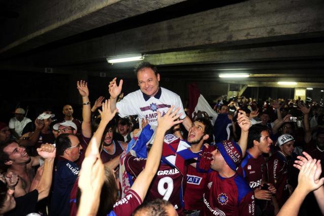 Festa do título do Caxias invade a madrugada no Estádio Centenário Porthus Junior/Agencia RBS