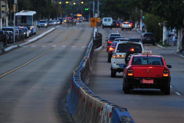 Projeto prevê táxis nos corredores de ônibus em tentativa de desafogar trânsito em Porto Alegre Júlio Cordeiro/Agencia RBS
