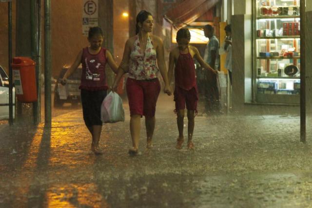 Chuva derruba temperatura em 10°C em municípios do Estado Miro de Souza/Agencia RBS