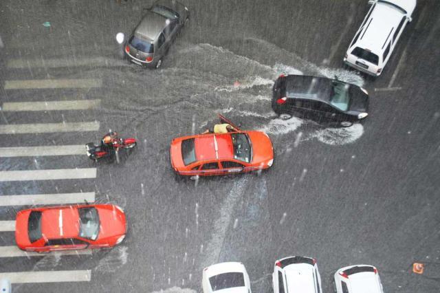Em 12 horas, chuva se aproxima do esperado para o mês em Porto Alegre Cristina Rispoli d'Azevedo/
