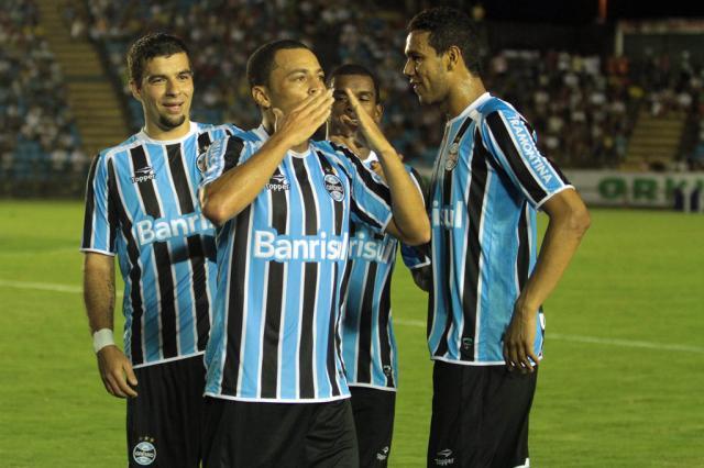 """Para Mazaropi e Cacalo, Marquinhos deve ser o substituto de Léo Gago: """"Mantém o padrão"""" Sergio Roberto/Futura Press/"""