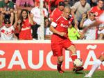 Com um belo cruzamento para o gol de Gilberto, Nei teve atuação destacada na partida