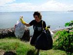 Uma tonelada de resíduos foi retirada da orla