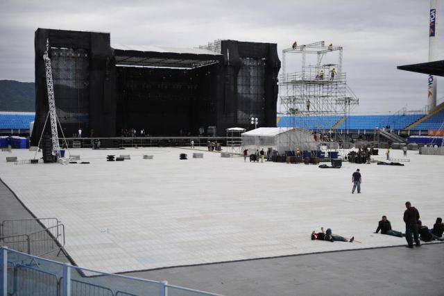 Estrutura para o show de Paul McCartney recebe os últimos ajustes Alvarélio Kurossu/Agencia RBS