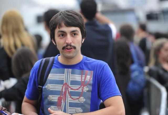 Sósia de Paul McCartney faz sucesso na fila do show Guto Kuerten/Agencia RBS