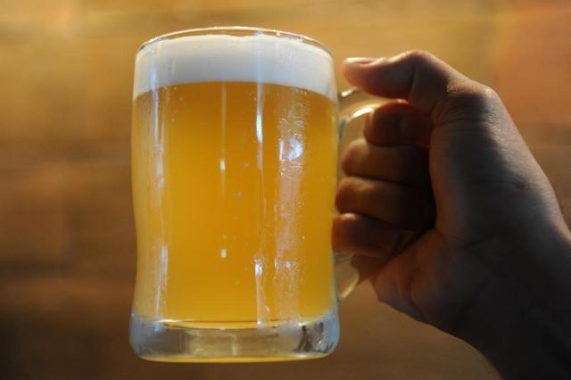 """Cerveja não é a única vilã, mas contribui para aumentar a """"barriga de chope"""" Artur Moser/Agencia RBS"""