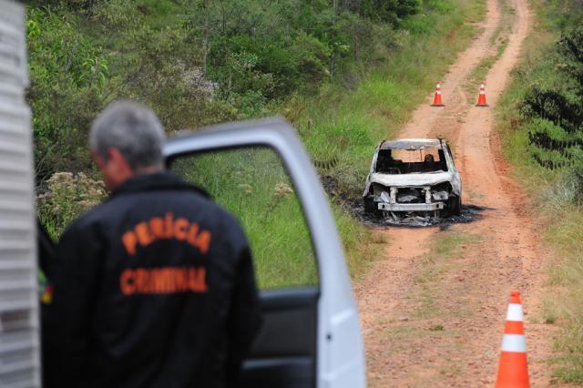 Corpos são encontrados dentro de carro carbonizado em Triunfo Fernando Gomes/