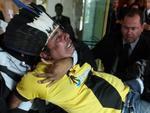 Após interromper votação, índio foi retirado por seguranças por ordem do presidente do STF, Ayres Britto