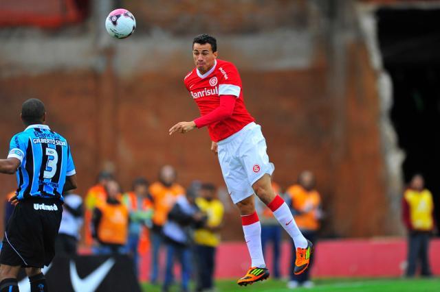 """""""Às vezes, quem está fora é quem mais corre"""", diz Damião sobre reservas Mateus Bruxel/"""