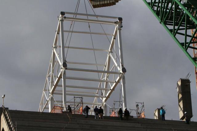 Arena do Grêmio recebe os dois primeiros de 96 módulos da cobertura Lucas Uebel/Grêmio,Divulgação