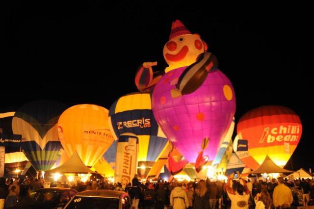 Espetáculo noturno reúne 55 balões em Torres César Lemos/Divulgação