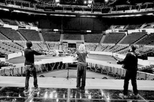 Madonna divulga fotos de ensaio para nova sua turnê Facebook/Reprodução