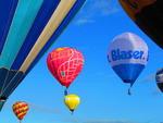 O feriado do Dia do Trabalho foi marcado pelo último dia do 24º Festival Internacional de Balonismo de Torres