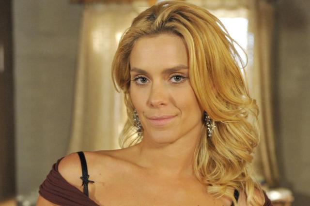 Carolina Dieckmann volta a publicar em sua conta no Twitter depois de vazamento de fotos íntimas Alex Carvalho/TV Globo/Divulgação