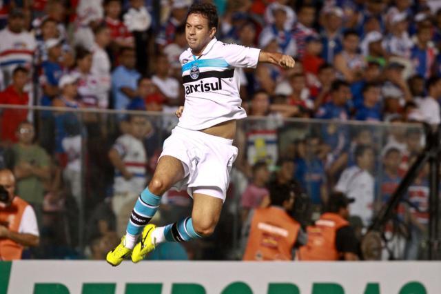 Grêmio resolve no primeiro tempo, vence o Fortaleza e encaminha classificação Jarbas Oliveira/AE/