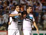 Marco Antônio comemorou com os companheiros após marcar um belo gol