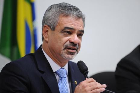 Ex-diretor da Petrobras acusa líder do PT no Senado de ter recebido R$ 1 milhão, diz jornal (Wilson Dias/ABR)