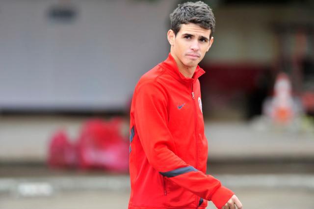 São Paulo avalia propor novo contrato a Oscar e espera jogador para o Brasileirão Bruno Alencastro/