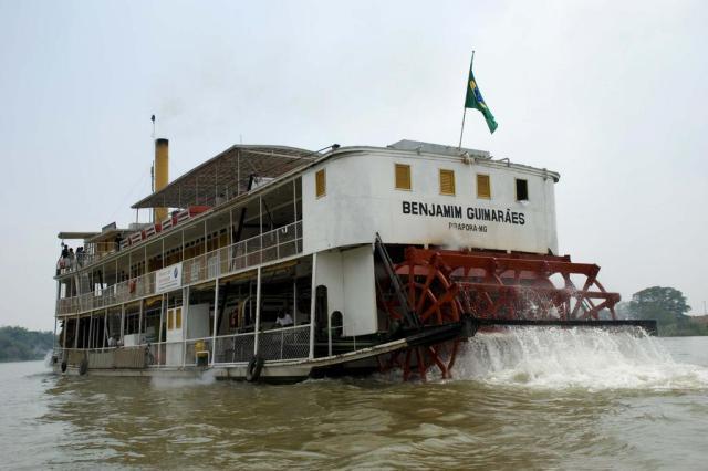 Benjamim, o único grande barco movido a lenha no mundo Divulgação/Divulgação
