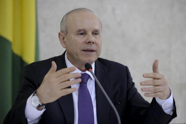 Bancos privados devem baixar juros, avalia Mantega Fábio Rodrigues Pozzebom/ABR