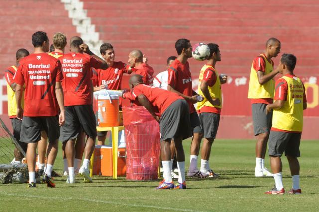 Com apoio da torcida, Inter faz o último treino antes de enfrentar o Caxias Adriana Franciosi/