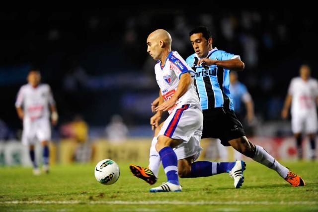 Com lesão muscular, Edilson desfalca o Grêmio por até três semanas Ricardo Duarte/